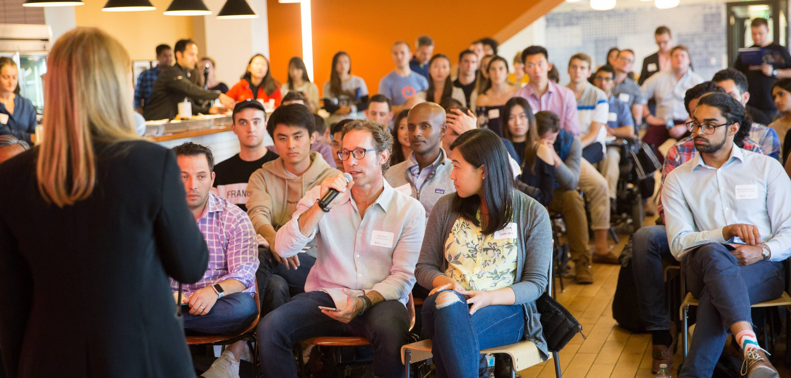 Conversation between event participants